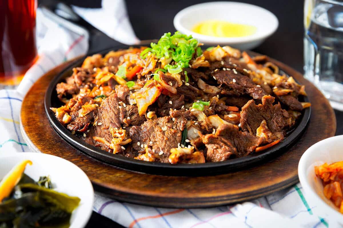 טיפים לבחירת נתחים והכנת קדרת בשר שתחמם לכם את החורף